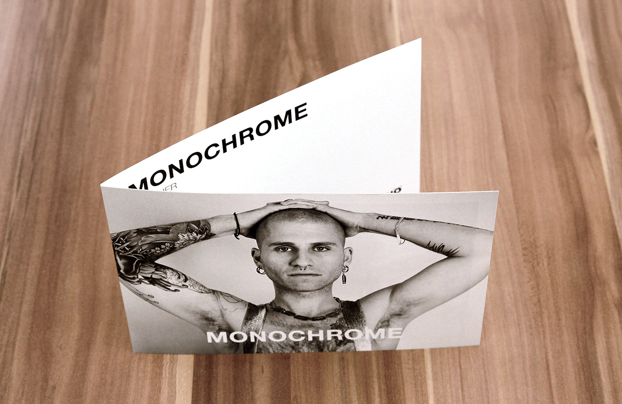 Monochrome01