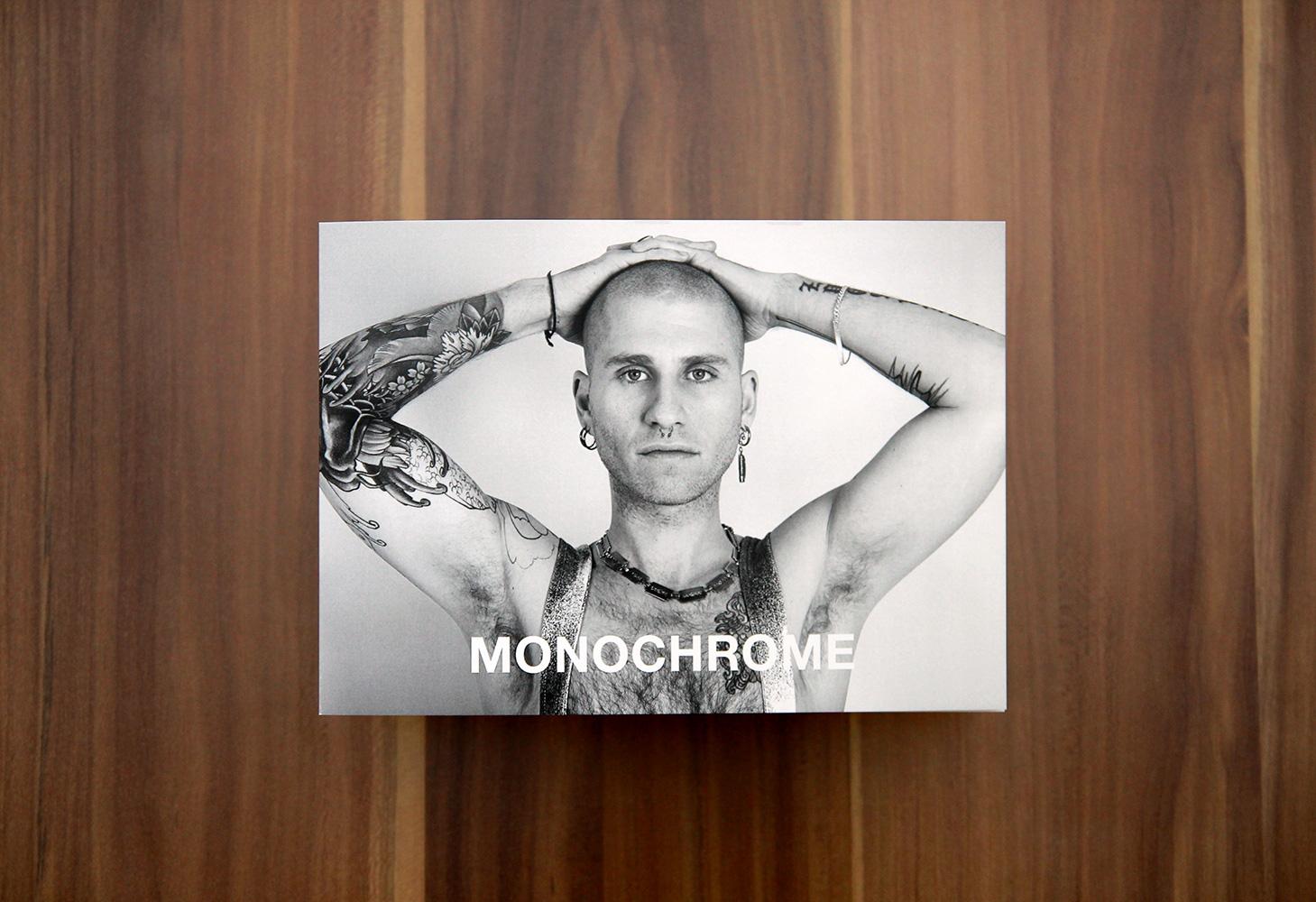 Monochrome07